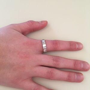 Jewelry - Sweet Faux Diamond Silver Band Ring Sz 8